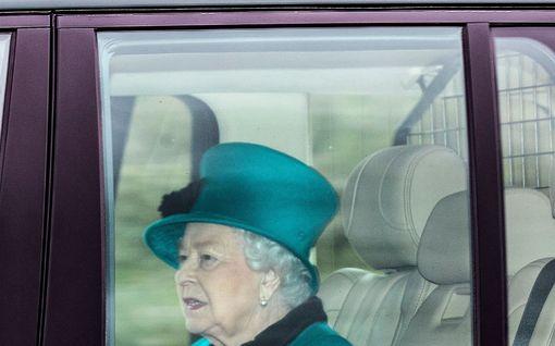 Kuningatar Elisabet, 93, ohjeisti kansalaisia koronaepidemian keskellä – kuuluu itse mitä suurimmissa määrin riskiryhmään