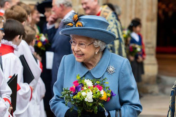 Kuningatar Elisabetin edustustehtävät ovat jäissä koronapandemian takia.