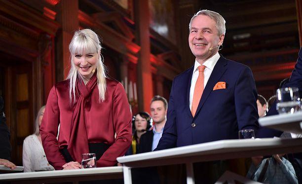 Laura Huhtasaari ja Pekka Haavisto Säätytalolla.