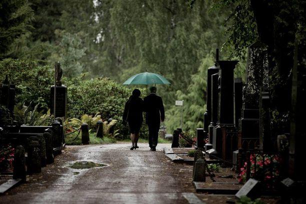 Terhokodin ylilääkäri Juha Hänninen kertoo Helsingin Sanomien mielipidepalstalla, miten jokainen voi valmistautua hyvään kuolemaan pohtimalla omaa elämäänsä.