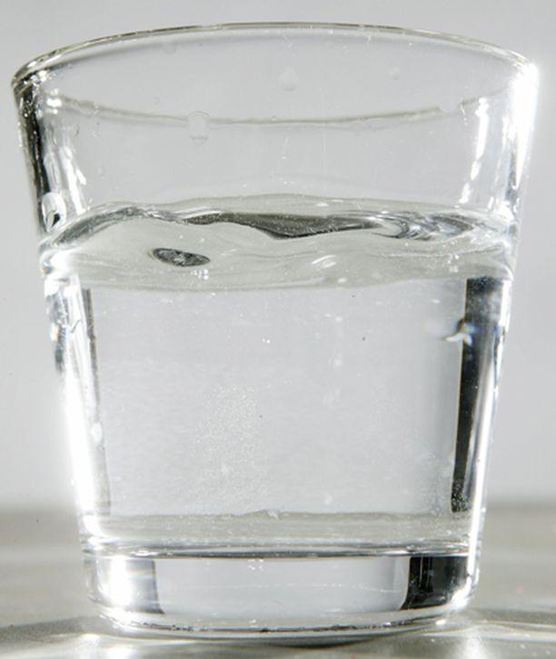 Suurin osa haluaa lentolipun hinnan sisältävän juomaveden ja pientä purtavaa.
