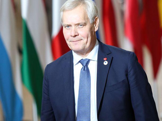 Pääministeri Antti Rinne (sd) kuvasi perjantaina päättynyttä EU:n huippukokousta raskaaksi. ,
