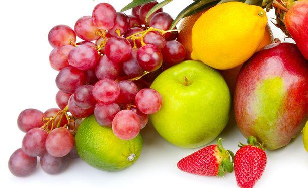 Hedelmiä kannatta syödä, mutta pelkkiä hedelmiä sisältävä ruokavalio voi olla riski.