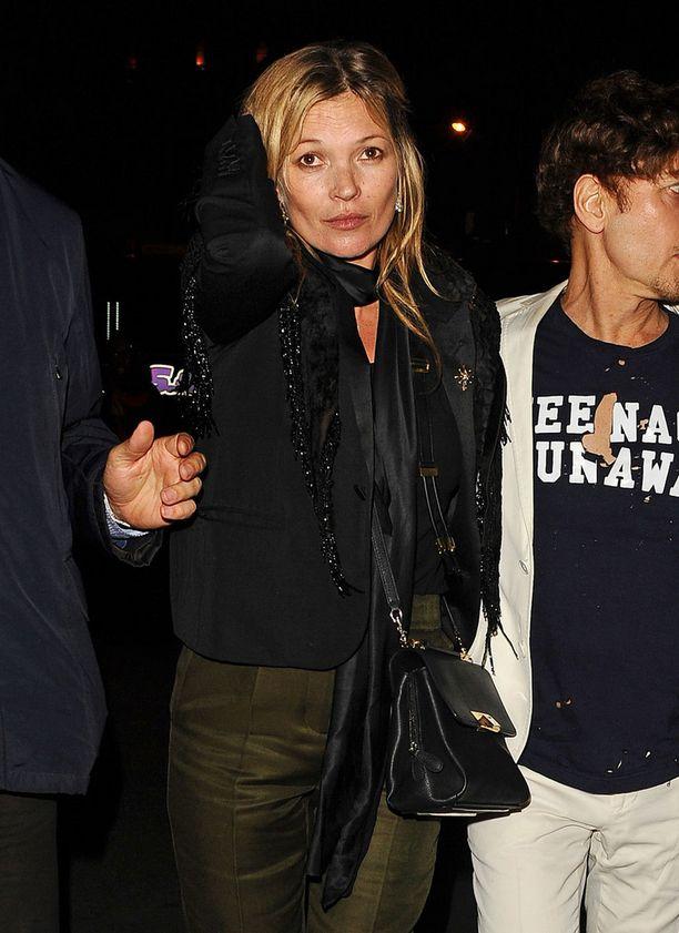 Kate Moss tuli tunnetuksi 1990-luvun alussa heroin chic -tyylin ikonina.