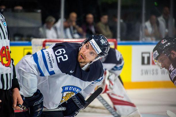 Oskar Osala, väkivahva voimahyökkääjä, on edustanut Suomea kaksissa MM-kisoissa ja viime talven olympialaisissa.