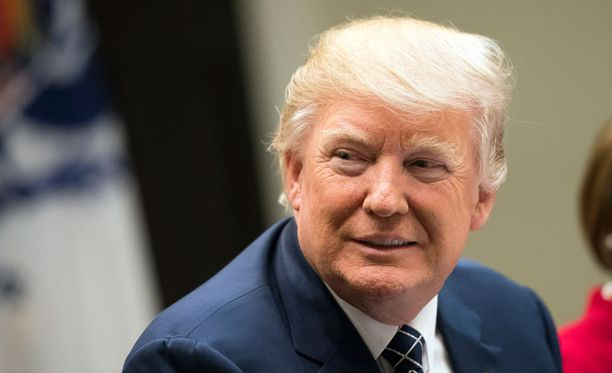 Trump syytti alkukuusta Twitterissä, että presidentti Barack Obama olisi salakuunnellut häntä viime vuoden presidentinvaalikampanjan aikana. Hän ei esittänyt todisteita väitteelleen vaan pyysi kongressia tutkimaan asian.