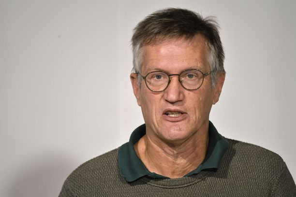 Ruotsin Anders Tegnellin mukaan koronaviruspandemia on Euroopassa uudelleen kasvussa.