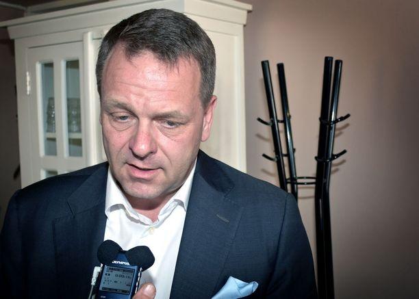 Jan Vapaavuori kertoi politiikan toimittajien yhdistyksen lounastapaamisessa keskiviikkona, että hänen seuraajansa Euroopan investointipankkiin pitäisi olla selvillä syyskuuhun mennessä tai Suomi menettää paikkansa.