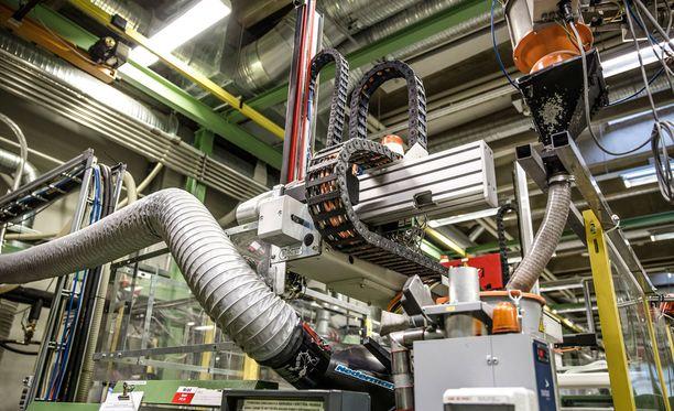 Teknologiateollisuus ja Teollisuusliitto käyvät parhaillaan kinkkisiä neuvotteluja.