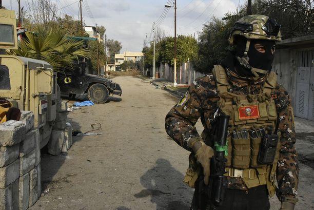 Irakin terrorismin vastainen erikoisjoukko piti tammikuun lopussa vahtia Tigris-joen tuntumassa.