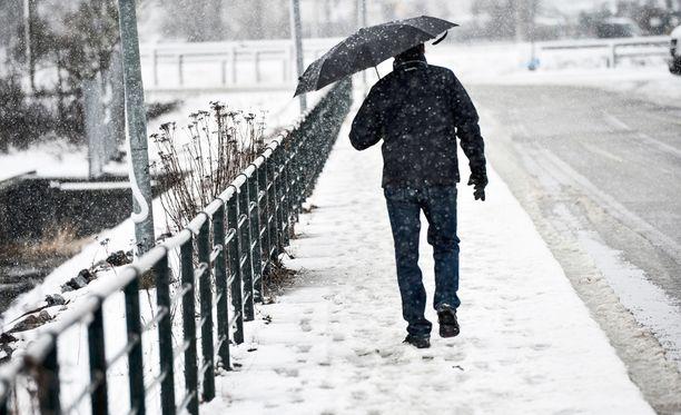 Sää kylmenee ja viikon lopulla Etelä-Suomeenkin voidaan saada ensilumi.