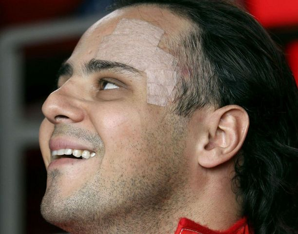 Felipe Massa odottaa kärsimättömänä paluuta tositoimiin.