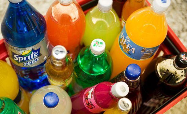 Muovisessa pullossa voi säilyttää poreet yksinkertaisella kikalla.