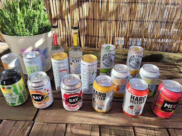 Testissä maisteltiin kaiken kaikkiaan 16 erilaista hard seltzer -juomaa.