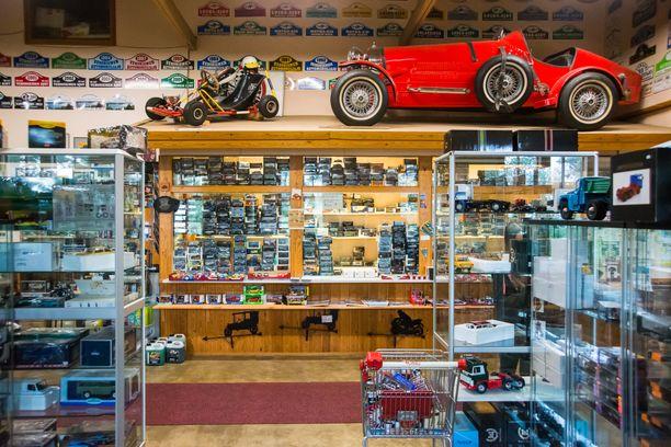 Vehoniemen automuseo on myös pienoismallikauppa.