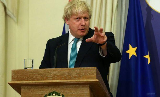 Boris Johnsonin ja Sergei Lavrovin maanantaille suunniteltu tapaaminen on peruttu.