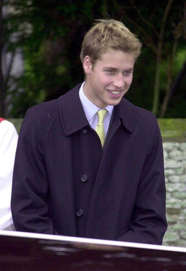 Vuonna 2000 prinssin tukka lyheni entisestään.