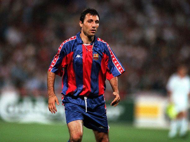 Hristo Stoichkov (kuvassa) ei juuri arvosta Louis Van Gaalia. Kuva Mestarien liigan loppuottelussa 1994, kun Barcelona hävisi AC Milanille.