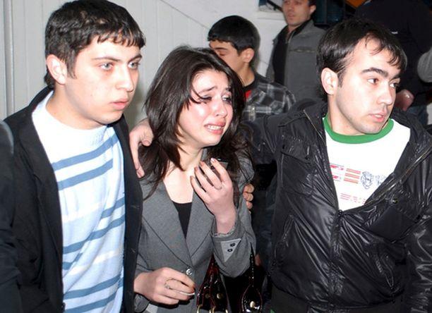 Silminnäkijöiden mukaan ammuskelu alkoi, kun oppilaat olivat menossa aamun ensimmäisille oppitunneille.