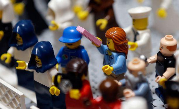 """Nimi Lego tulee tanskan kielen sanoista """"leg godt"""", leiki hyvin."""