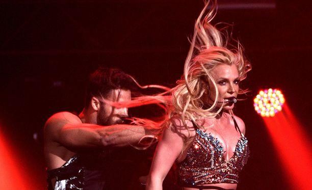Jenkkitähti Britney Spears esiintyy Tel Avivissa kesäkuussa.