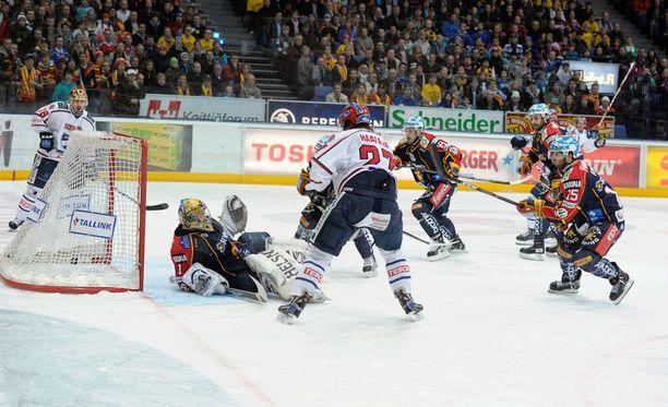 Juha-Pekka Haataja vei HIFK:n seitsemänteen peliin keväällä 2011.