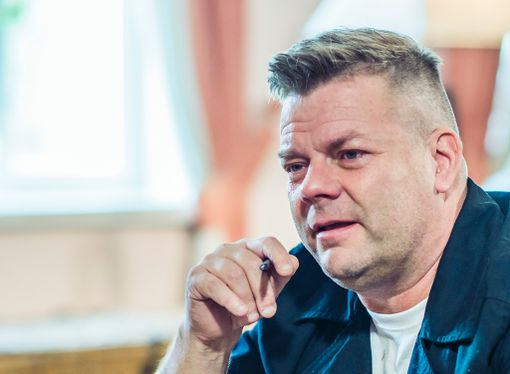 Jari Sillanpäällä on tunteet pinnassa koko jakson ajan.