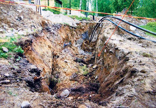 37-vuotias mies ei ennättänyt vyöryvän maamassan alta pois, vaikka työtoverit huusivat varoituksia.