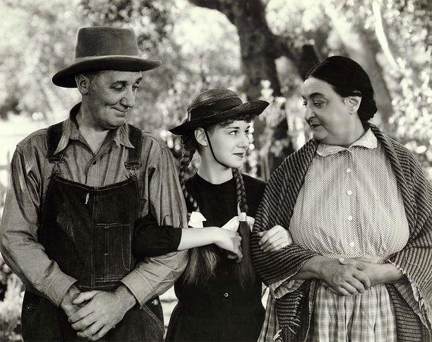 Varhaisin elokuva Anna-sarjoista tehtiin vuonna 1934.