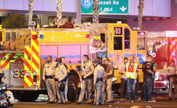 Nevadan yliopiston jääkiekkojoukkueen apuvalmentaja sai luodin rintaansa Las Vegasin ampumatragediassa.