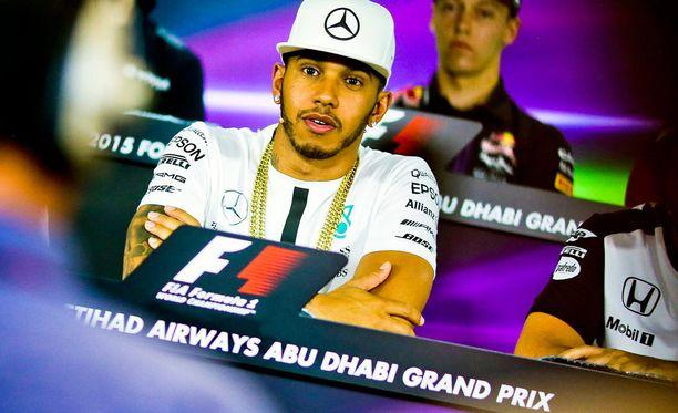 Lewis Hamiltonin Mersun moottori syynätään kauden jälkeen. Maailmanmestaruus ei todennäköisesti ole vaarassa.