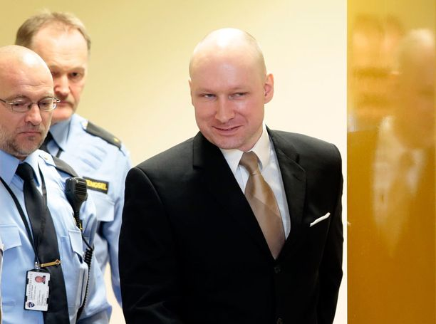 Viime vuonna Breivik nähtiin julkisuudessa, kun hän syytti Norjaa ihmisoikeuksiensa laiminlyömisestä.
