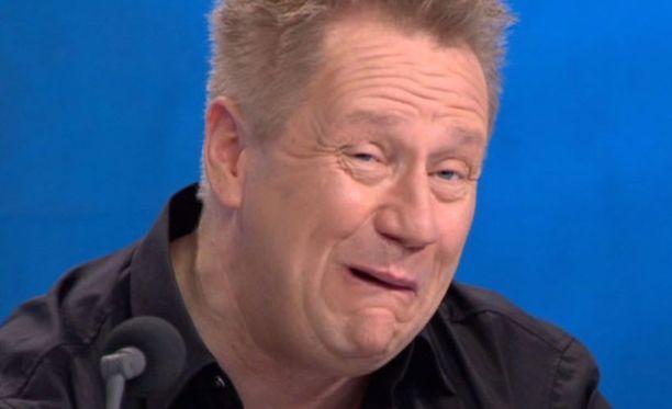 Olli Lindholmin esiintyminen Idolsissa närkästytti katsojat.