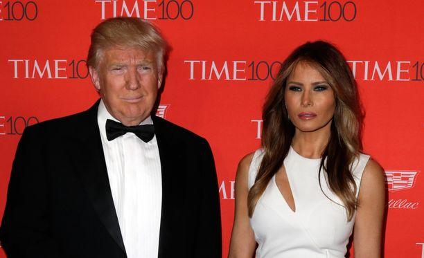 Republikaanien presidenttiehdokkaaksi pyrkivä Donald Trumpin vaimo Melania joutui tökeröiden kommenttien kohteeksi.