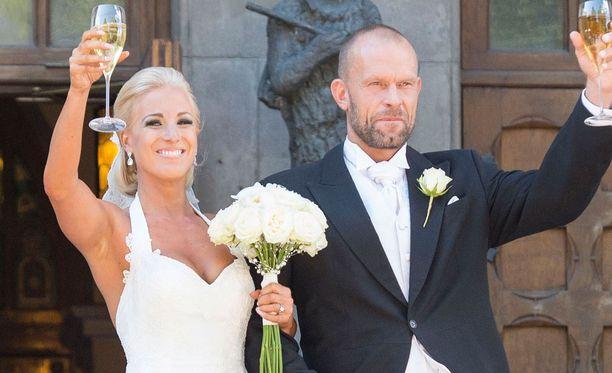 Nanna ja Jere Karalahti ovat edelleen virallisesti naimisissa.