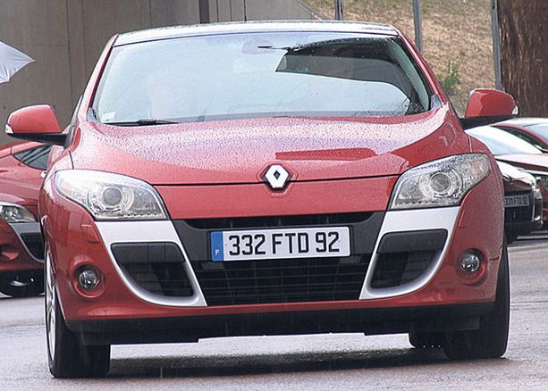 UPEA LAIMEA Coupe on komea, mutta pellin alla visertää Suomessa vain kesytetty talitintti.