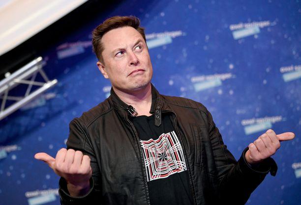 Puhuuko tuo totta vai, saattaa Elon Musk tässä pohtia.