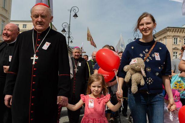 Puolassa on jo yksi Euroopan tiukimpia aborttilakeja, mutta siihen halutaan vielä lisää tiukennuksia.