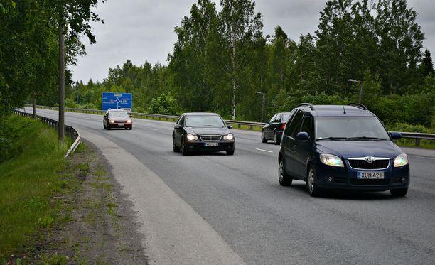 Suomen TEN-tieverkosta noin 80 prosenttia on yksikaistaista maantietä. Arkistokuva.