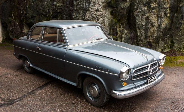 Borgward Isabella Coupe ja Limousinen edustavat 50-luvun puolivälin muotoilua.