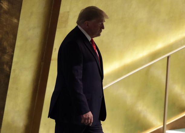 USA:n presidentti Donald Trumpia epäillään Ukrainan presidentin painostamisesta, jotta tämä tarjoaisi hänelle törkyä Joe Bidenin, demokraattien mahdollisen presidenttivaalien vastaehdokkaan, pojasta.