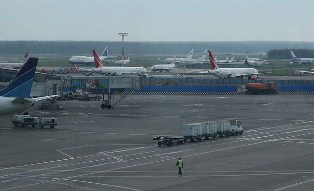 Saratov Airlines -lentoyhtiön kone putosi vain kaksi minuuttia sen jälkeen, kun se oli noussut ilmaan Moskovan Domodedovon kansainväliseltä lentoasemalta.