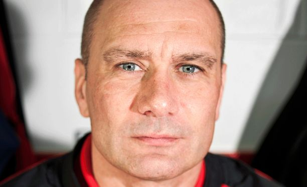 Tony Hand tähditti Iso-Britannian maajoukkuetta MM-kisojen B-, C- ja D-sarjoissa.