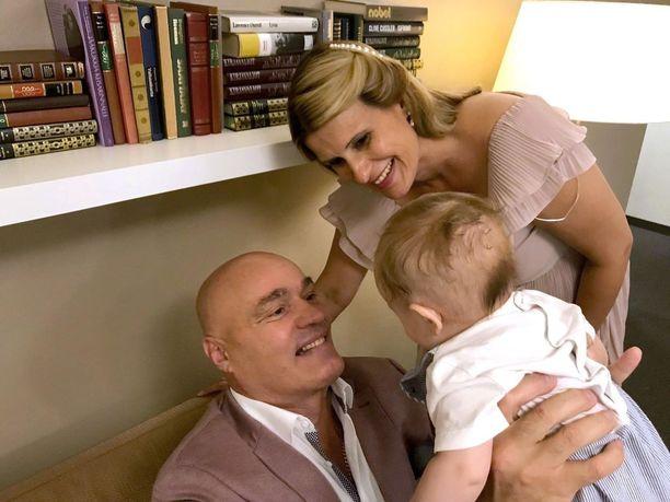 Toivo syntyi vapunpäivänä. Lapsi on isälleen toinen, äidilleen ensimmäinen.