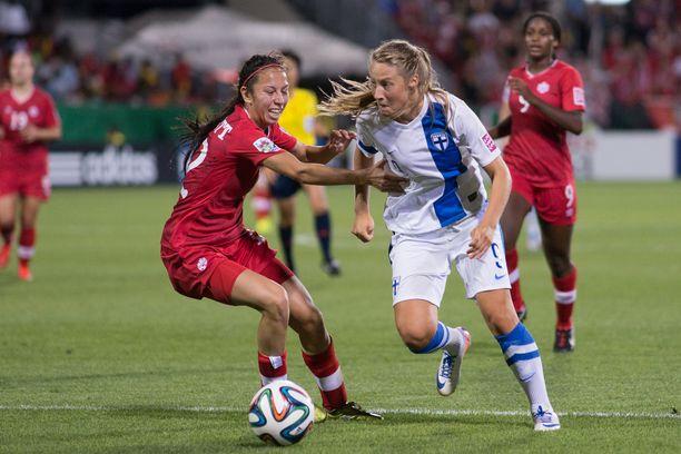Nykyisin Valioliigaa pelaava Juliette Kemppi mätti 75 prosenttia Suomen maaleista vuoden 2014 nuorten MM-kisoissa.