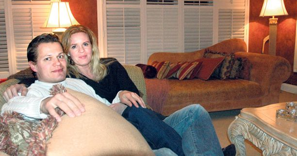 Sami ja Petra Kapanen Amerikan-kodissaan, joka on nyt myynnissä.