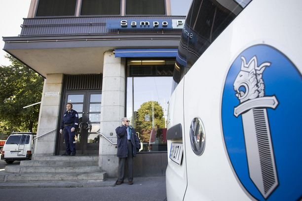 Mannerheimintiellä sijaitseva pankki ryöstettiin kaksi kertaa.