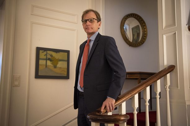 Iltalehti haastatteli suurlähettilästä Britannian lähetystöllä Helsingissä.