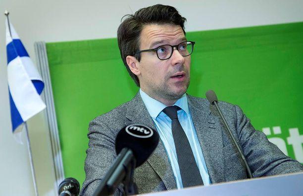 """Vihreiden puheenjohtaja Ville Niinistö ei sulje etukäteen pois mitään koalitiovaihtoehtoja, mutta lisää, että on hyvin epätodennäköistä, että """"vihreitä arvoja voitaisiin yhdistää perussuomalaisten politiikkaan""""."""