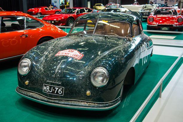 Porsche 956:n teho kasvoi valmistusvuosien 1949-1965 mittaan 40:stä hevosvoimasta 90:een.